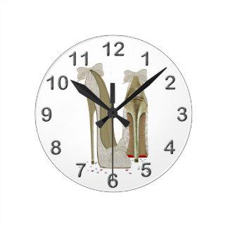 結婚式のハイヒールの芸術 ラウンド壁時計