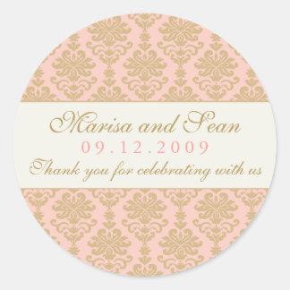 結婚式のモノグラム|のピンクおよびシャンペンのダマスク織 丸形シール・ステッカー