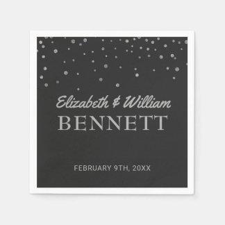 結婚式のモノグラム|の銀製のグリッターの紙吹雪の点 スタンダードカクテルナプキン