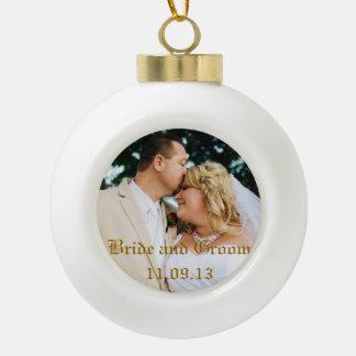 結婚式の写真または他をクリスマスのオーナメント加えて下さい セラミックボールオーナメント