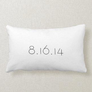 結婚式の日付の枕 ランバークッション