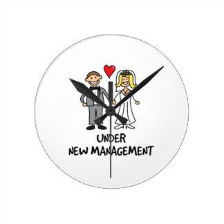 結婚式の漫画-新しい管理の下の… ラウンド壁時計