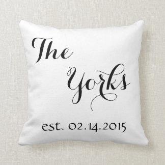 結婚祝いの枕-名字-確立された日付 クッション