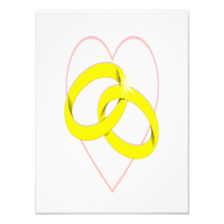 絡み合わせた結婚指輪 写真