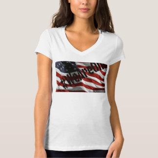 統一されたな惑星のための愛を示す快適なT Tシャツ