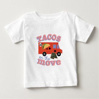 絶えず動いたタコス ベビーTシャツ