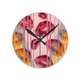 綿菓子のラズベリーの唇 ラウンド壁時計