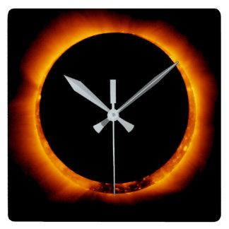 総日食の近く スクエア壁時計