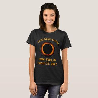 総日食(アイダホの滝、ID) Tシャツ