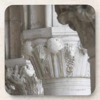 総督の宮殿ベニスイタリアのコラムの詳細 コースター