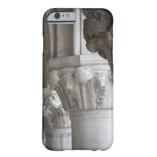 総督の宮殿ベニスイタリアのコラムの詳細 BARELY THERE iPhone 6 ケース