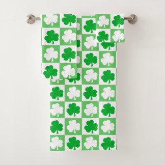 緑および白いアイルランドのシャムロックのチェッカーボード バスタオルセット