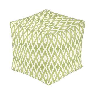緑および白い格子 プーフ