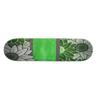 緑および白い花 スケートボード