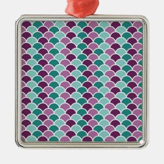緑および紫色のスケールパターン メタルオーナメント