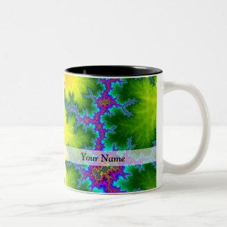 緑および紫色のフラクタルパターン ツートーンマグカップ