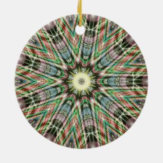 緑および紫色の9先の尖ったkaleidiscopic芸術 セラミックオーナメント