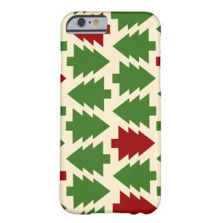 緑および赤いレベル、横の木 BARELY THERE iPhone 6 ケース