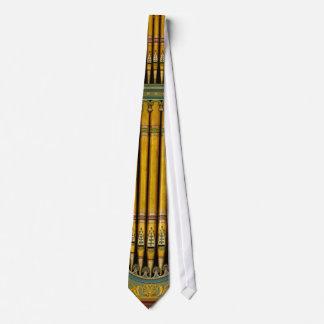 緑および金ゴールドのオルガン管のタイ ネクタイ