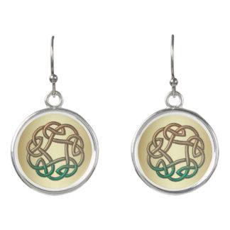 緑および金ゴールドのケルト結び目模様のイヤリング イヤリング