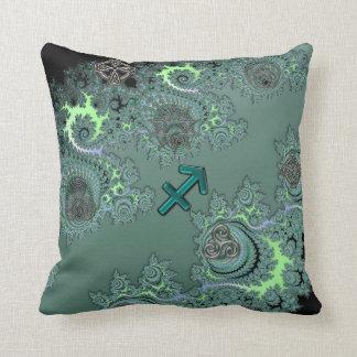 緑および銀製の(占星術の)十二宮図の印の射手座の枕 クッション