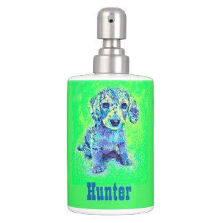緑および青のdachsundの子犬の浴室セット ディスペンサー