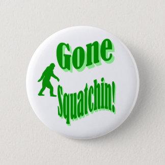 緑によって行くsquatchinのスローガンの文字 5.7cm 丸型バッジ