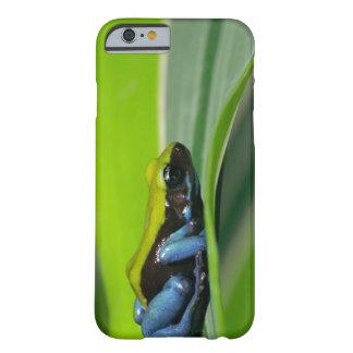 緑に支えられるmantella barely there iPhone 6 ケース