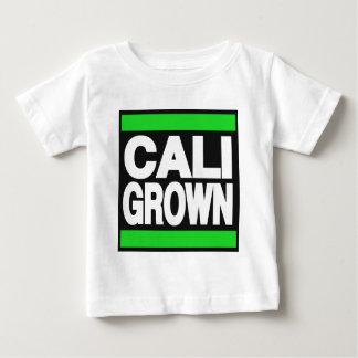 緑に育つCali ベビーTシャツ
