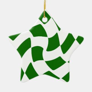 緑のおよび白によって歪められるチェッカーボード セラミックオーナメント