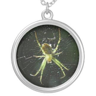 緑のくものネックレス シルバープレートネックレス