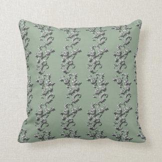 緑のつる植物の枕 クッション