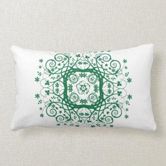 緑のつる植物の枕 ランバークッション