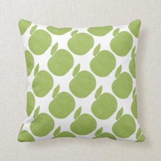 緑のりんご クッション