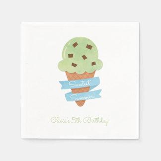 緑のアイスクリームコーンの子供の誕生日のパーティーのナプキン スタンダードカクテルナプキン