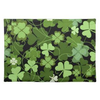 緑のアイルランドのシャムロック ランチョンマット