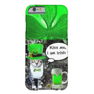 緑のアイルランドビールを持つパトリキウスの日CAT BARELY THERE iPhone 6 ケース