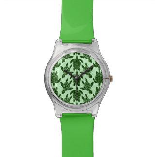緑のウミガメのかわいらしい動物パターン 腕時計
