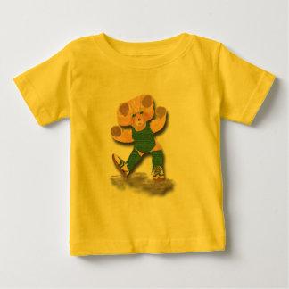 緑のエクササイズのテディー・ベアの乳児のTシャツ ベビーTシャツ