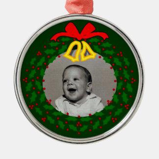 緑のクリスマスのリースの写真フレーム メタルオーナメント