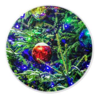 緑のクリスマスツリーの赤の球 セラミックノブ