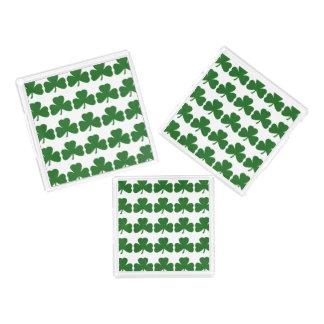 緑のクローバーパターンシャムロックのセントパトリックの日 アクリルトレー