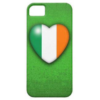 緑のグランジな背景のアイルランドのハートの旗 iPhone SE/5/5s ケース