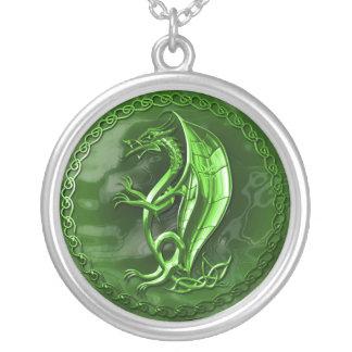 緑のケルト族のドラゴン シルバープレートネックレス