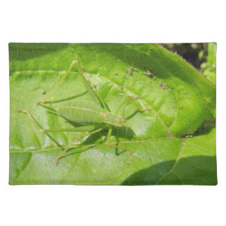 緑のコオロギのカムフラージュのランチョンマット ランチョンマット
