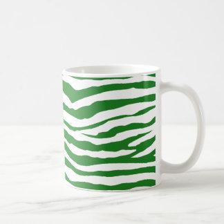 緑のシマウマは縞で飾ります コーヒーマグカップ