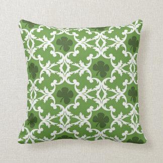 緑のシャムロックのダマスク織 クッション