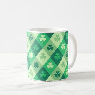 緑のシャムロックの幸運なSaint patricks dayのおもしろい コーヒーマグカップ
