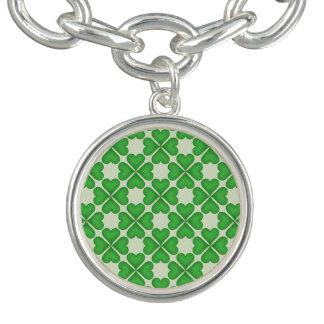 緑のシャムロック4の葉のクローバーのハートパターン チャームブレス