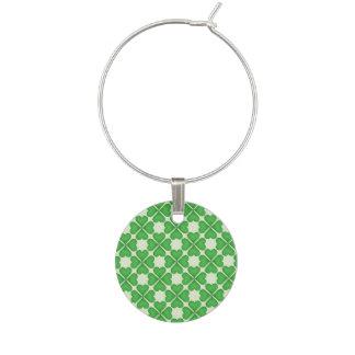 緑のシャムロック4の葉のクローバーのハートパターン ワインチャーム